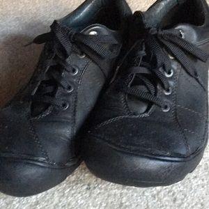 Keen black shoes